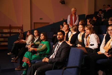 Почетный гость акции - секретарь по делам прессы, информации и культуры Посольства Индии в Москве господин Джейсундар.