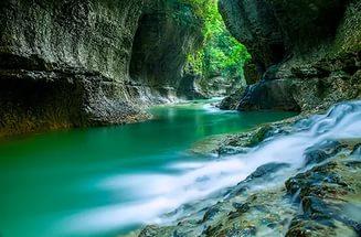 Каньон Мартвили -- одно из самых живописных мест не только Грузии, но и всей планеты.  Это счастье -- увидеть собственными глазами удивительную красоту этих мест.